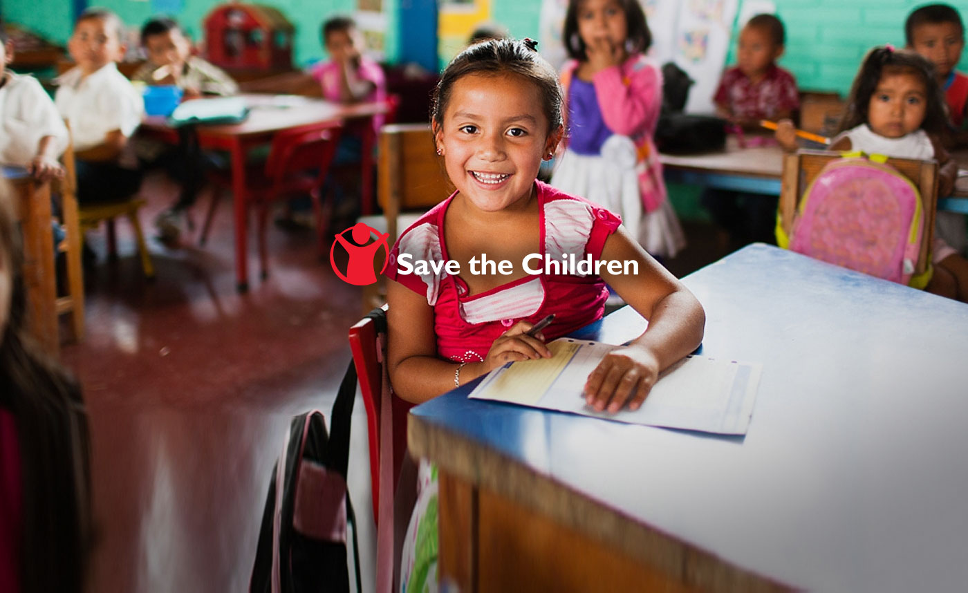 save the children responsabilidad social niña estudiando primaria escuela